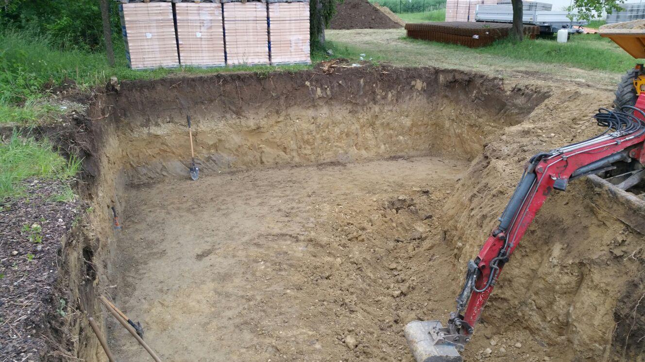 Keller und Pool ausheben